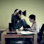 Soms moet je voorzichtig te werk gaan zodat anderen gewoon door kunnen werken haha hè Darija!