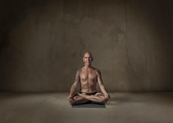Men of Yoga bedrijfsfotografie Eyequote Oss studiofotografie